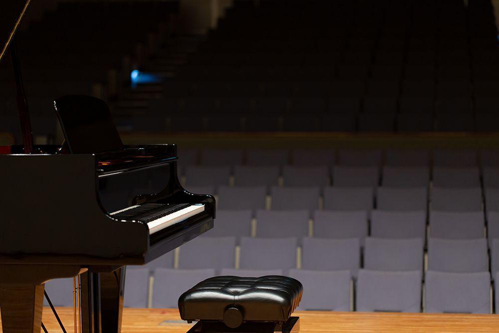 松代文化ホールのステージ