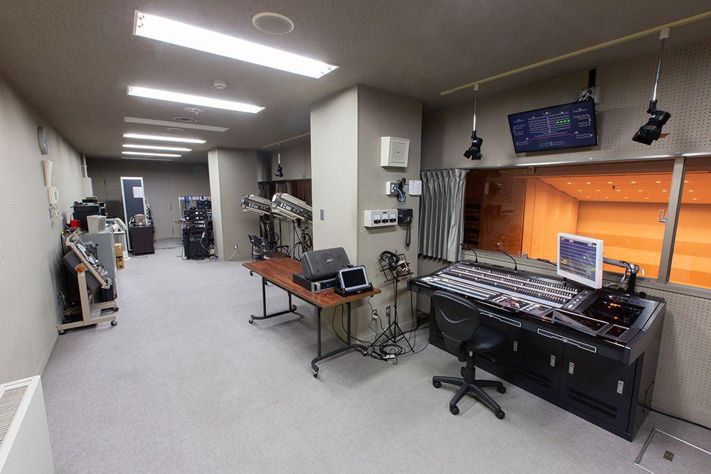 松代文化ホールの音響室